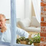 Positief! Je glurende buren bewaken in de zomer je huis