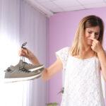 Stinkende schoenen? Zo krijg je de geur eruit